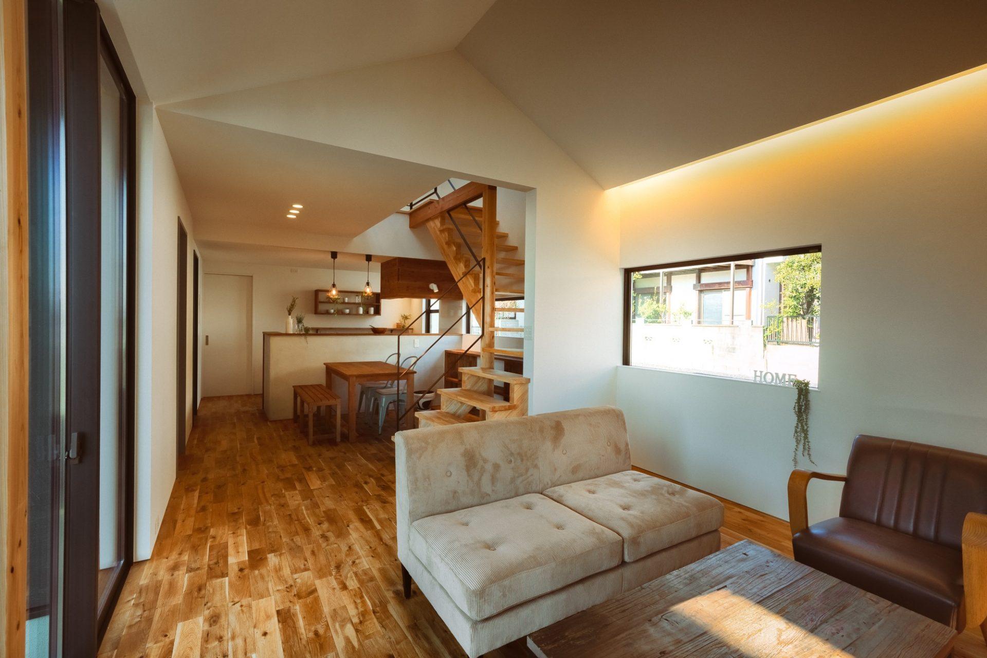 素材感を楽しむ家