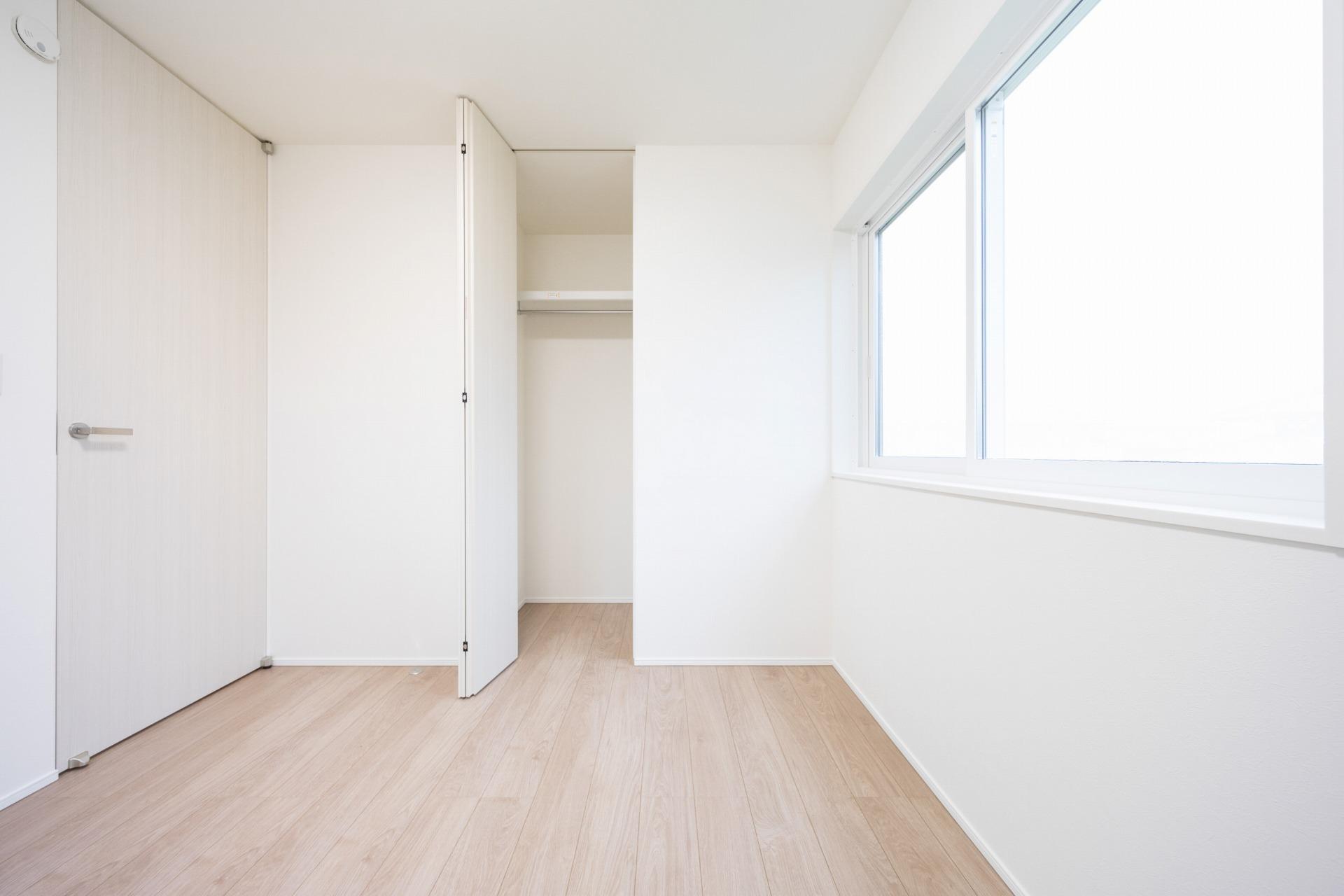 シンプルな工夫で空間にムダのない家